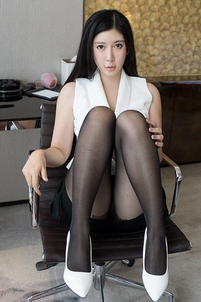 【李雅】催情长发小秘书李雅黑丝高跟体态婀娜性感套图【37P】 X丝玉足