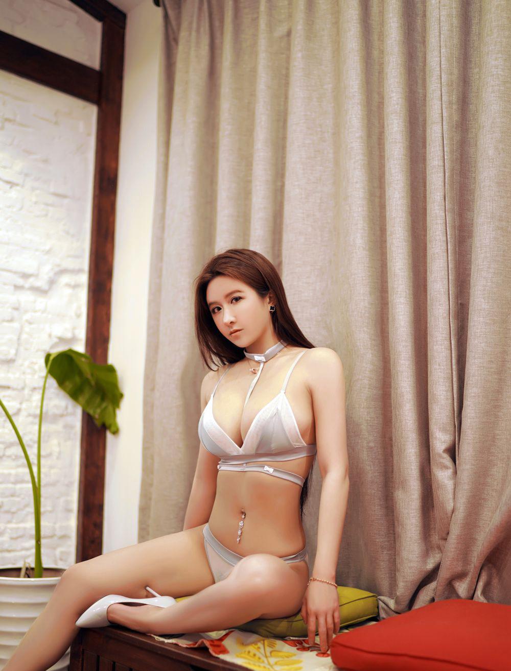 【ROSI】ROSI写真美女下体阴部似鲍鱼人体艺术大胆图片【23P】 性感内衣