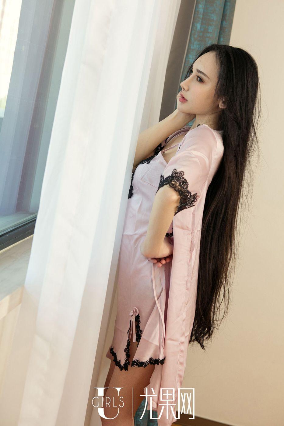 【阿依努尔瓦娅】混血异域美女阿依努尔瓦娅翘臀情趣制服人体艺术写真【45P】 制服