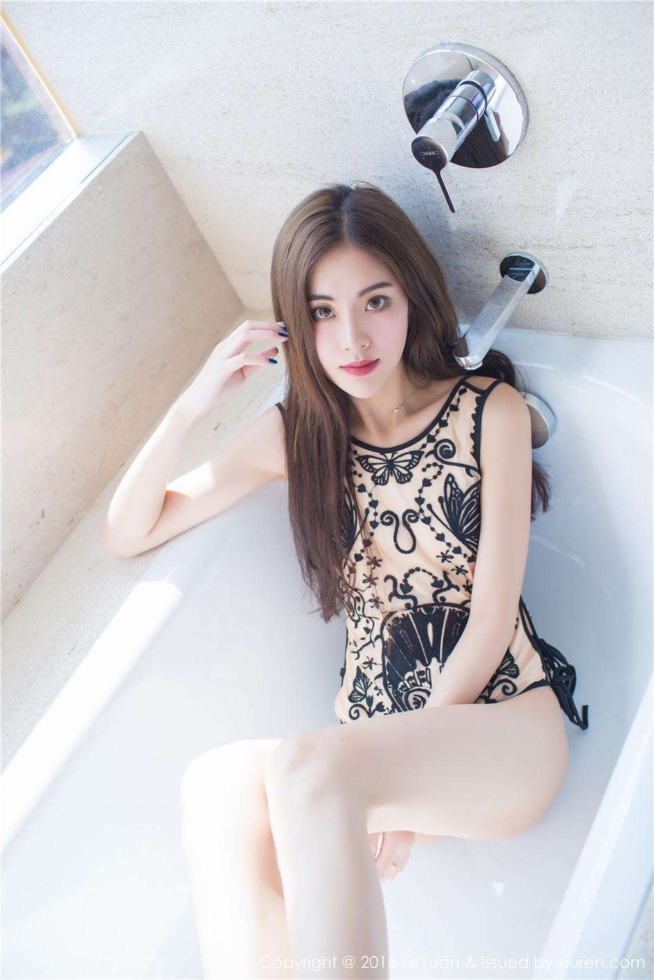 【星乐园】【菲儿】 肤色丝袜美女菲儿私房高清美腿写真图片 VOL.014【22P】 写真集