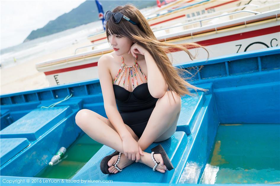 【星乐园】【冷不丁】 大长腿女神范儿嫩模冷不丁性感泳衣旅拍套图 VOL.011【27P】 写真集