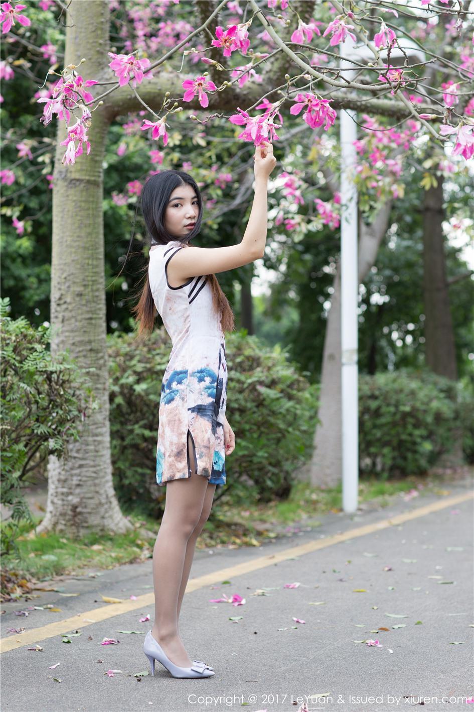 【星乐园】【Winki絲女郎】 丝袜美腿车模Winki絲女郎外景摄影套图 VOL.039【21P】 X丝玉足