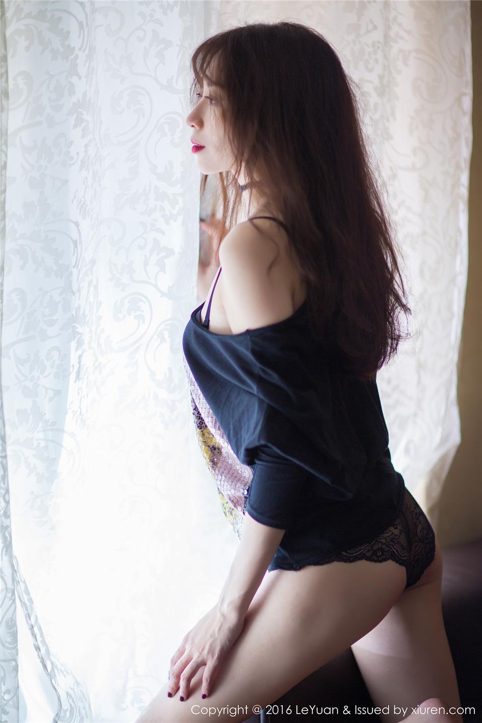 【星乐园】【楚琪kiki】 街拍长腿美女楚琪kiki小清新连体衣写真照 VOL.006【25P】 写真集