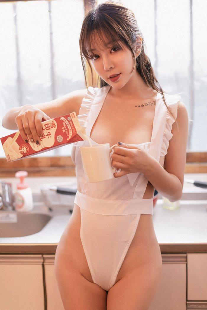 【王雨纯】巨乳美女王雨纯诱人身姿女仆装性感火辣现身你家厨房【20P】 制服