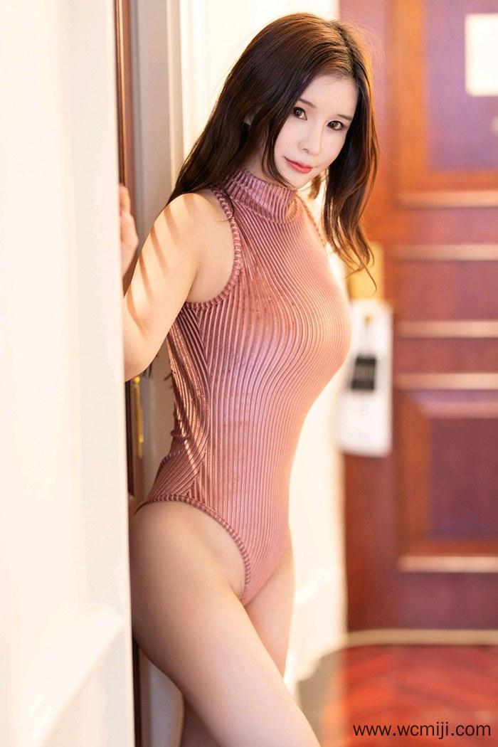 【张雨萌】白嫩美女张雨萌丰满爆乳肉感血滴子人体艺术写真【34P】 制服