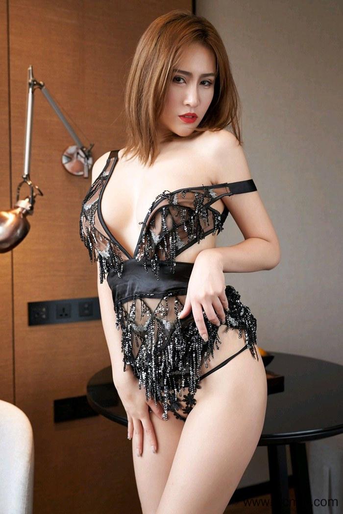 【高清写真】【珍妮】白皙美腿少妇珍妮水嫩爆乳翘臀勾魂人体艺术写真集图片【42P】 X丝玉足
