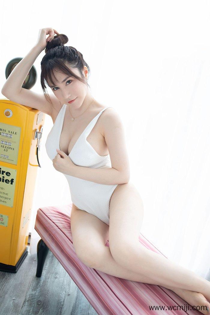 【个人写真】【夏希子】大波白嫩美女夏希子大秀人间胸器暗送秋波【28P】 制服