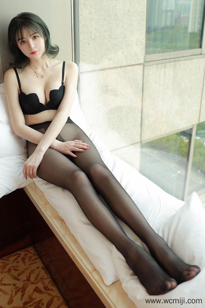 【国模美女】【优优】大眼娇嫩萌妹优优黑丝蜜臀赤裸诱惑动人高清图片【36P】 模特