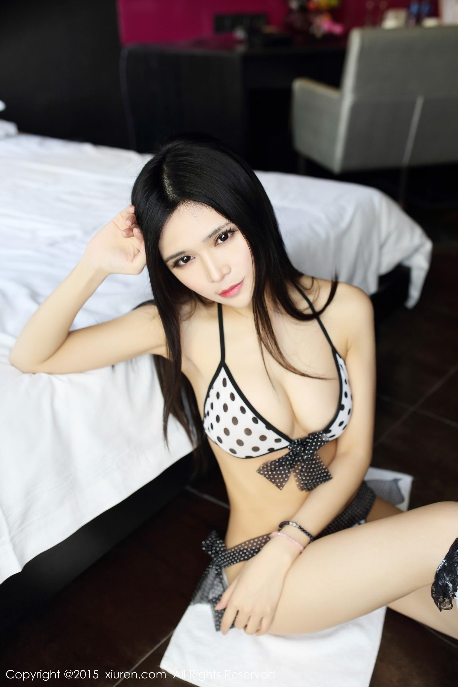 【写真集】【张美荧】美女佳人张美荧嫩白双乳美体诱惑【44P】 写真集