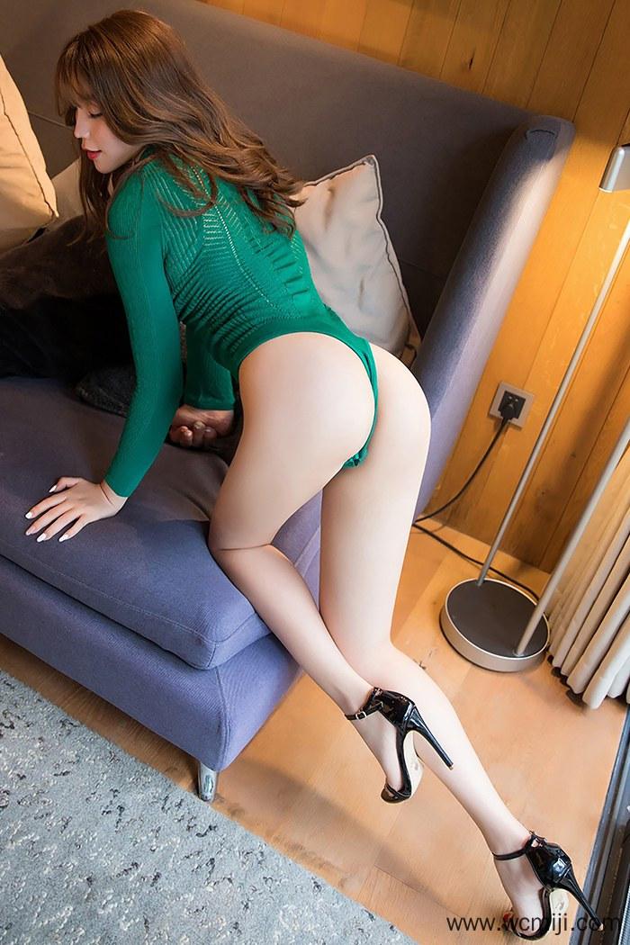 【国模套图】【芝芝】风骚嫩模芝芝Booty白皙玉腿撅臀挑逗高清写真【52P】 模特