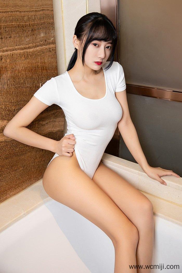 【个人写真】【何嘉颖】极品美女模特何嘉颖湿身诱惑风情万种【30P】 写真集