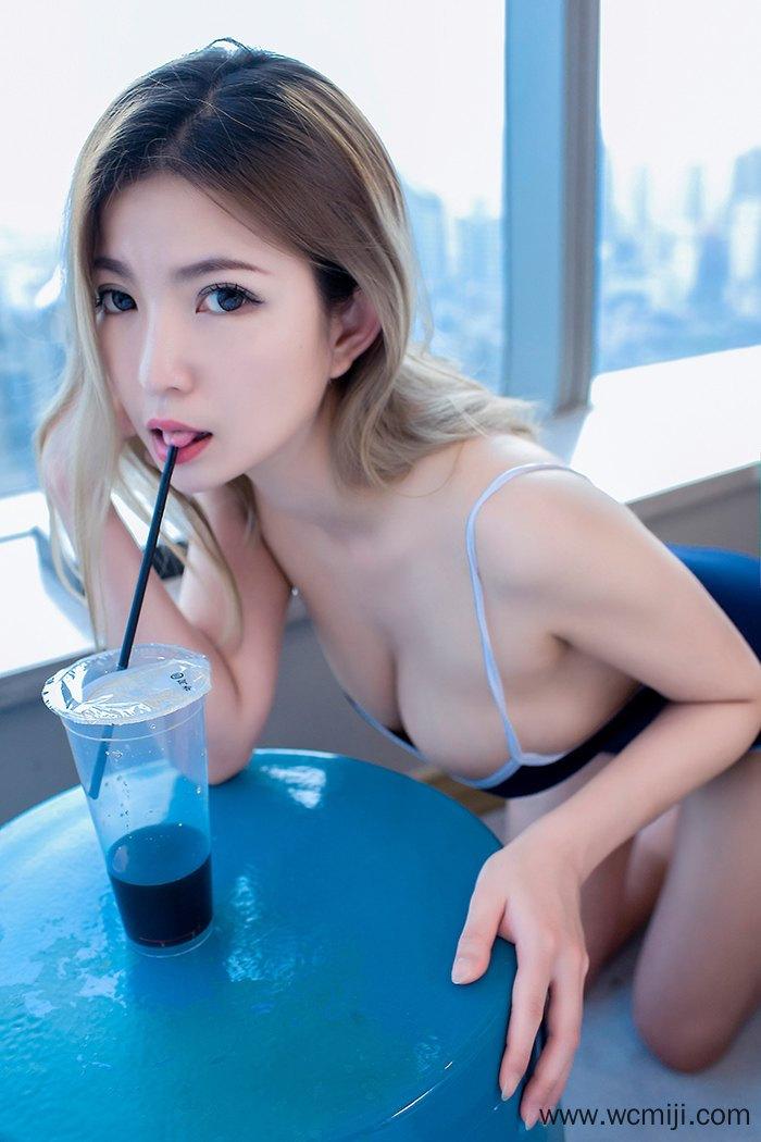 【高清写真】【考拉】豪乳靓丽女神考拉丝滑尤物奶香沁人心脾【40P】 性感内衣