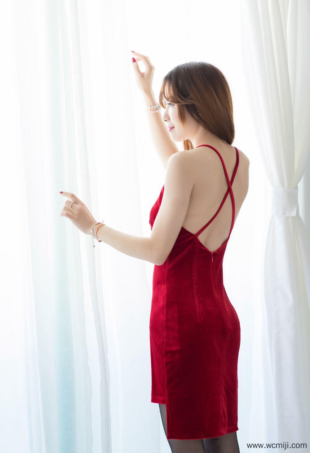 【个人写真】【女神】娇艳丰满女神成熟人体圆润美臀勾人艺术套图【32P】 性感内衣