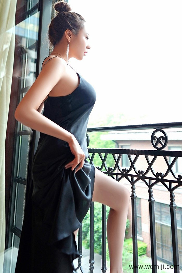 【国模套图】【果儿】极品痴情少妇果儿蕾丝内衣火辣爆乳撩人诱惑【46P】 模特