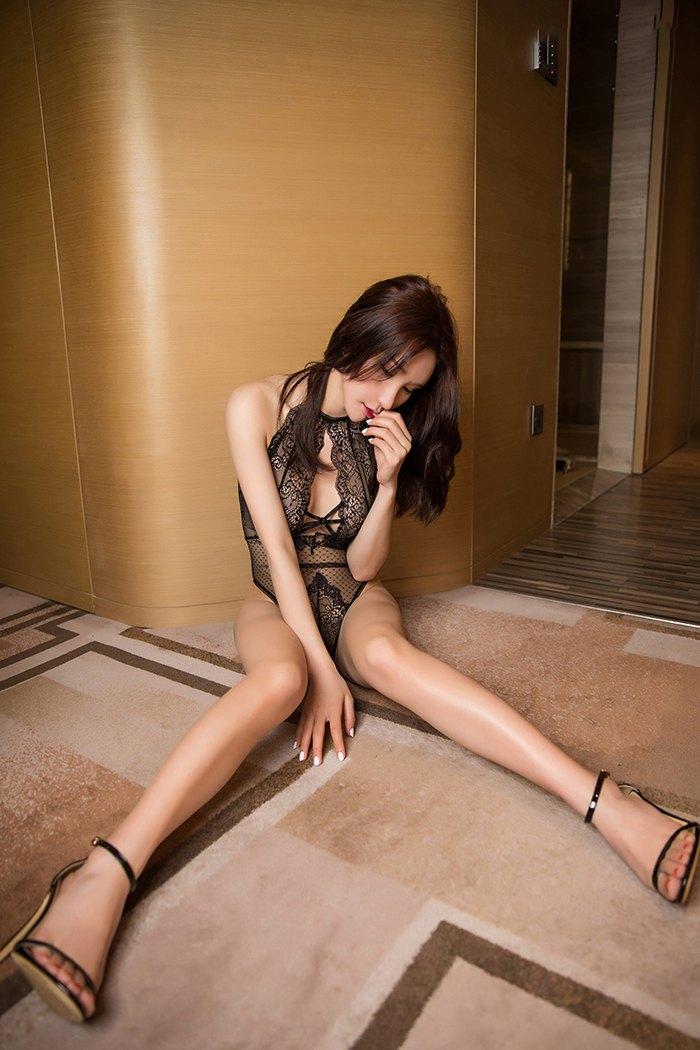 【写真集】【周于希】极品长发嫩模周于希长腿高跟等你品尝【45P】 性感内衣