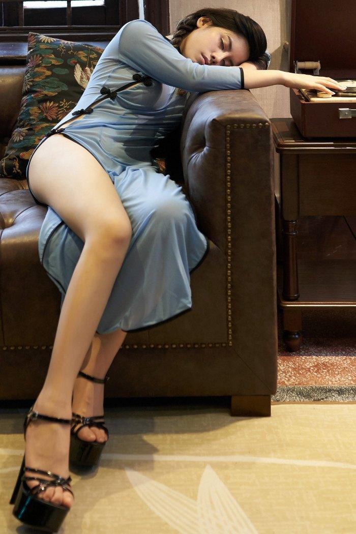 【性感美女】火辣辣美女民国学生装难掩丰满巨乳与翘臀【42P】 制服