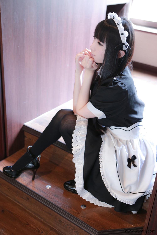 【COS】【御姐】长直黑发御姐女仆装居家私房照片【44P】 COS