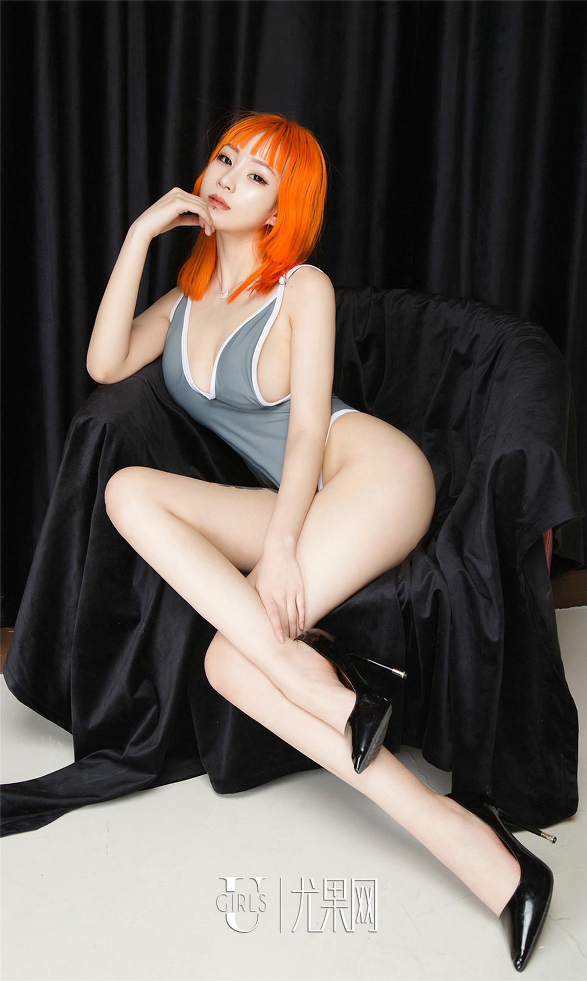 【性感美女】【张团团】火辣美女张团团修长美腿雪白露乳人体艺术图片【32P】 写真集