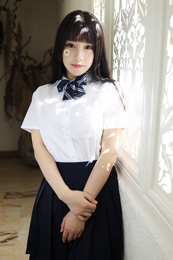 【写真集】【朱可儿】激萌学生妹朱可儿粉嫩白臀柔软巨乳撩裙诱惑【47P】 制服