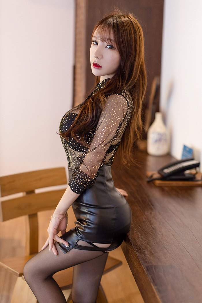 【写真集】【周于希】迷情销魂御姐周于希妖艳身姿体态美臀飘香【50P】 性感内衣