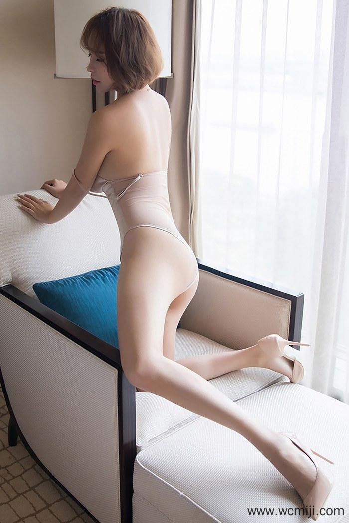 【性感美女】【雅雯】修长美腿女神雅雯白皙酮体床上撅臀诱人艺术写真【45P】 制服