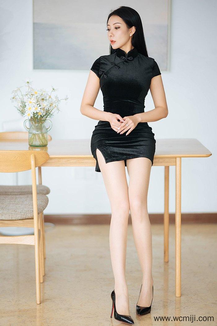 【性感美女】【果儿】高挑长腿御姐果儿旗袍肉丝豪乳奔放妖娆图集【42P】 X丝玉足