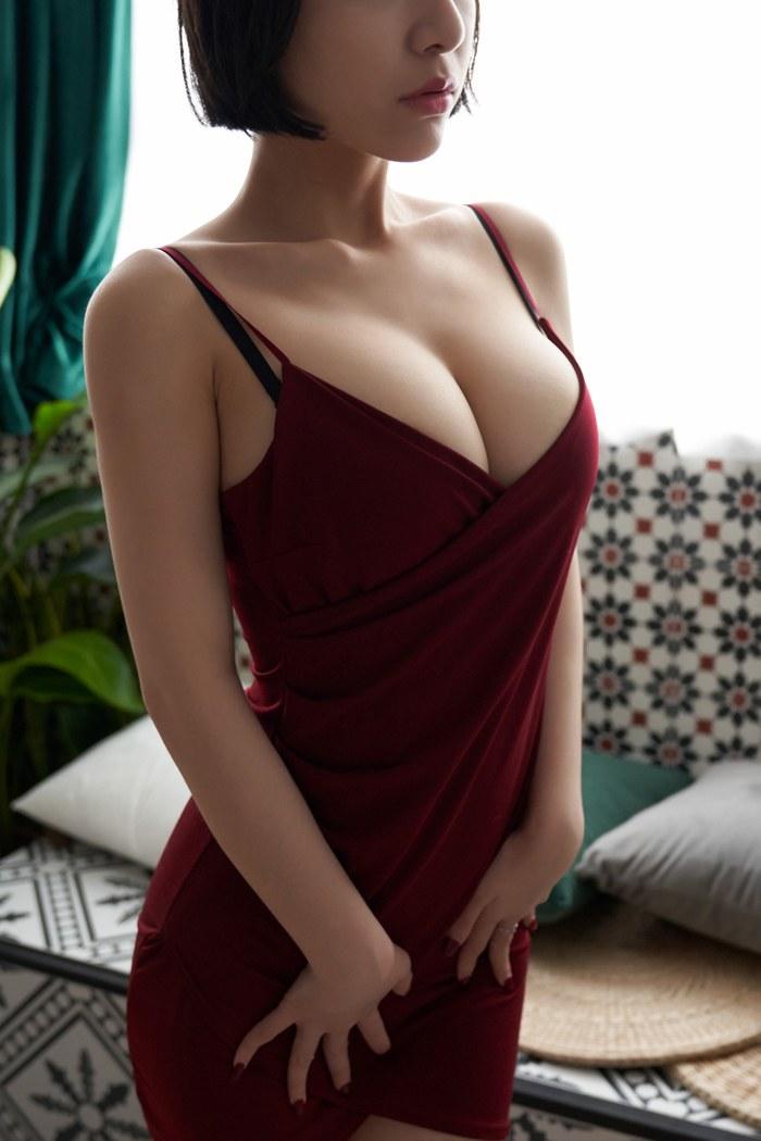 【性感美女】【米娅】中俄混血模特米娅酥胸翘臀全裸喷血人体艺术图片【36P】 性感内衣