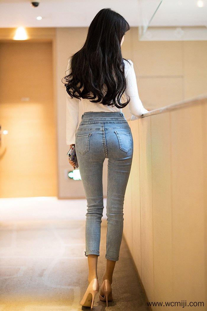 【模特】【Miko酱】热辣嫩模小妹Miko酱肉丝厚臀搔首弄姿【42P】 X丝玉足