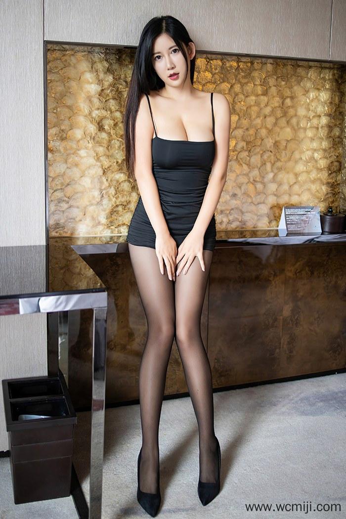 【写真集】【李雅】雪白亲密娇娘李雅手托巨乳大秀丝滑美腿【76P】 X丝玉足