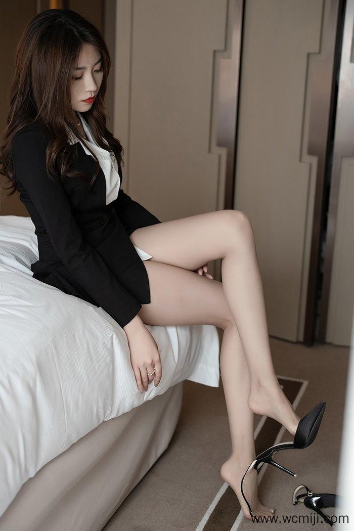 【模特】【许诺】嫩白美模许诺白领制服肉丝玉足清纯动人【40P】 X丝玉足