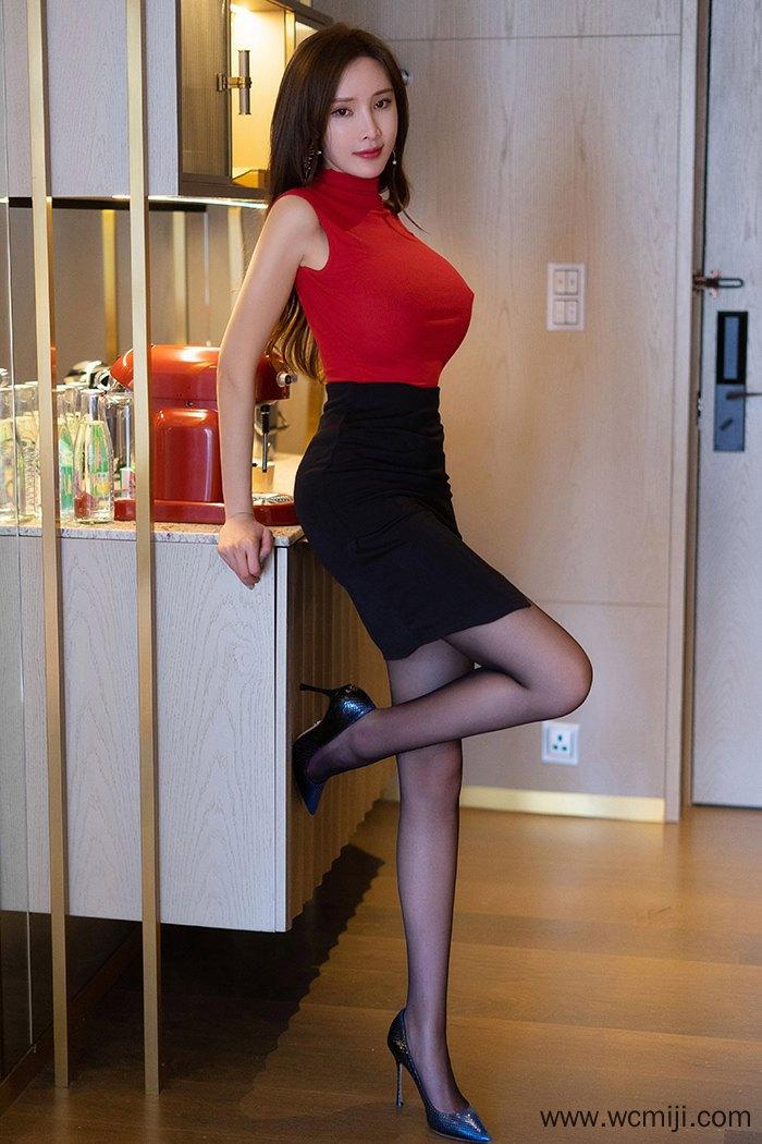 【模特】【周妍希】高颜值美女周妍希极品身材爆乳不经意露出【46P】 写真集