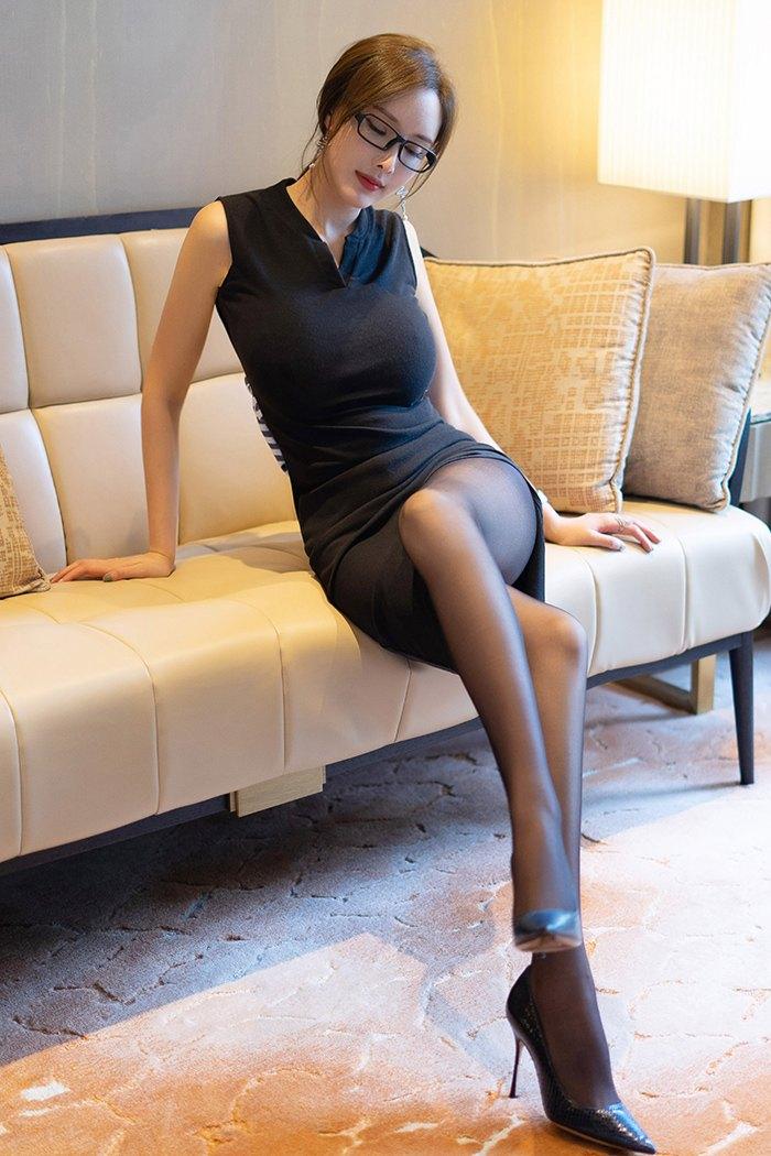 【写真集】【土肥圆】魅力女郎土肥圆绝色黑丝长腿玉足香滑【60P】 写真集