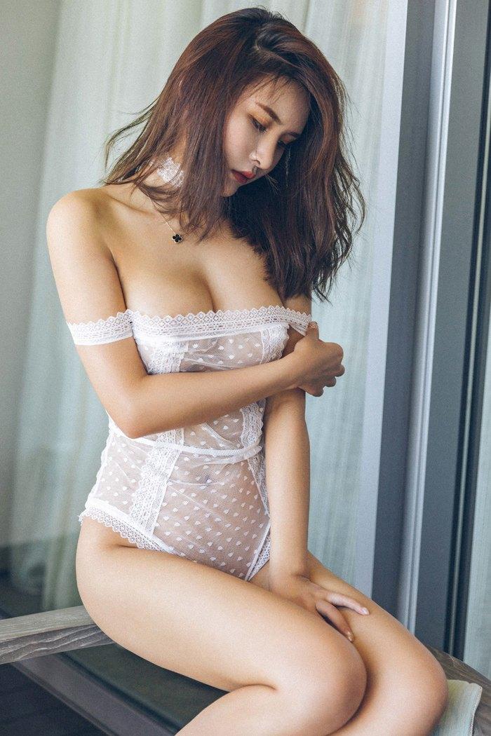 【性感美女】【尹菲】绝色女神尹菲薄纱蕾丝酮体身姿若隐若现【38P】 写真集