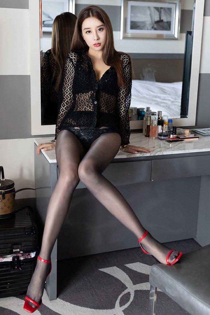 【性感美女】长发火辣美女黑丝美腿翘臀诱人极了【42P】 写真集