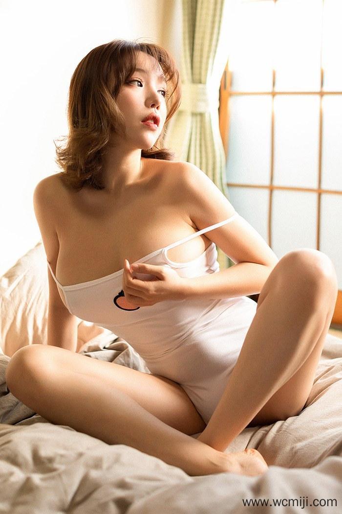 【网红】【黄乐然】性感尤物黄乐然傲人双乳日本旅馆人体艺术写真图片【41P】 写真集