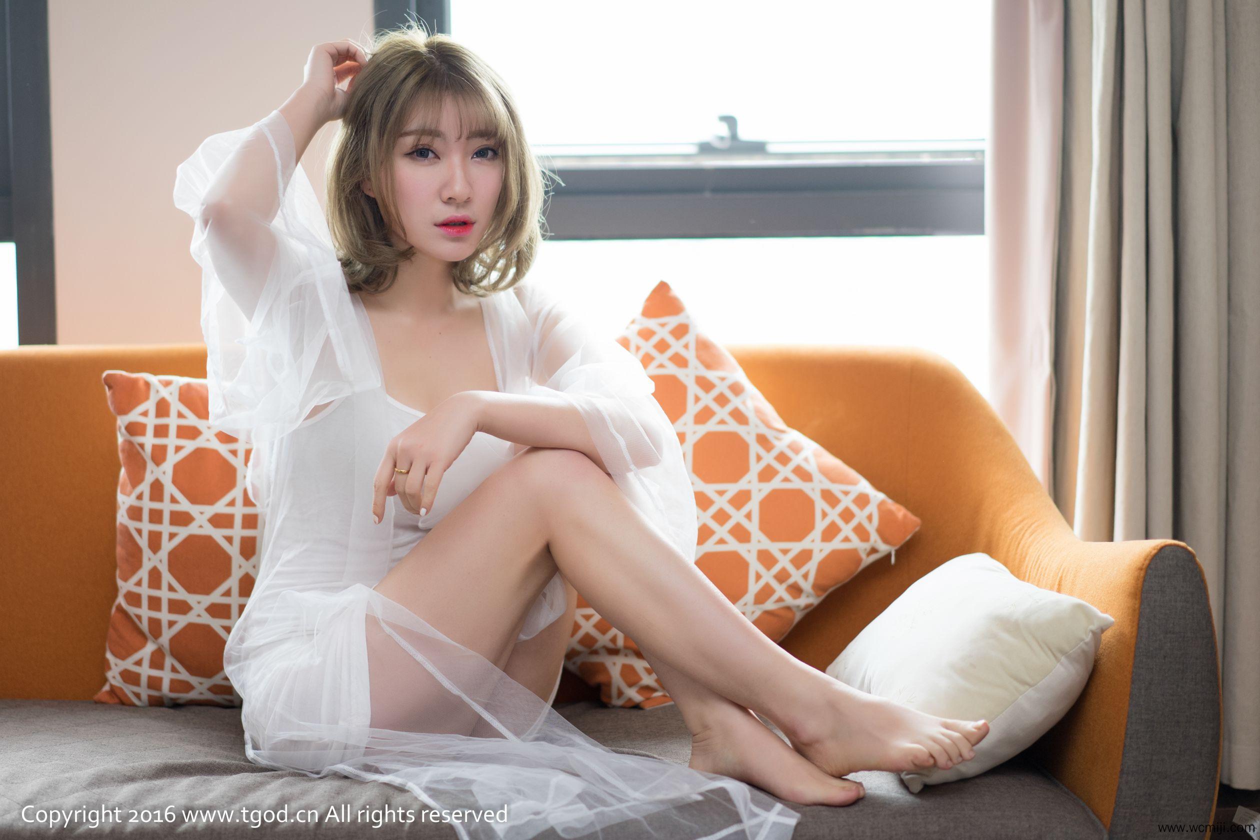 【日本写真】日本女神松岛拉面君美乳吊带雪白美腿人体艺术图片【40P】 写真集