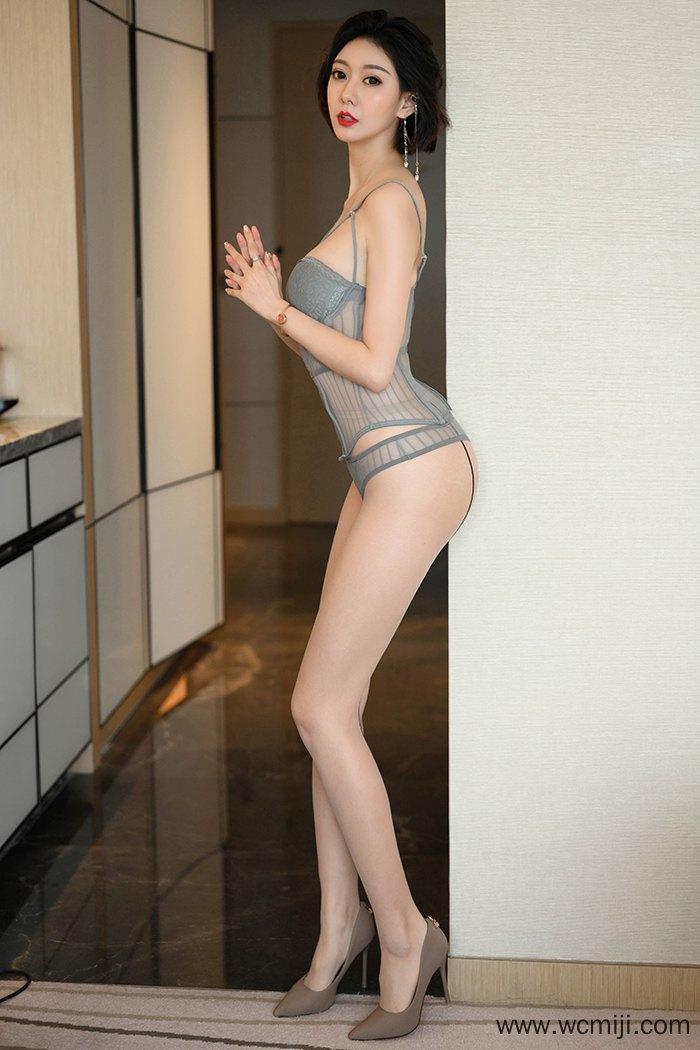 【网红】【艺轩】长腿女神艺轩肉丝高跟美脚妩媚动感迷人【40P】 性感内衣