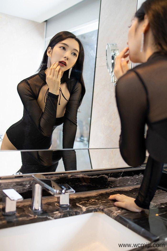 【网红】【小热巴】风情女郎小热巴黑丝束腰嫩白肌肤美不可言【40P】 X丝玉足