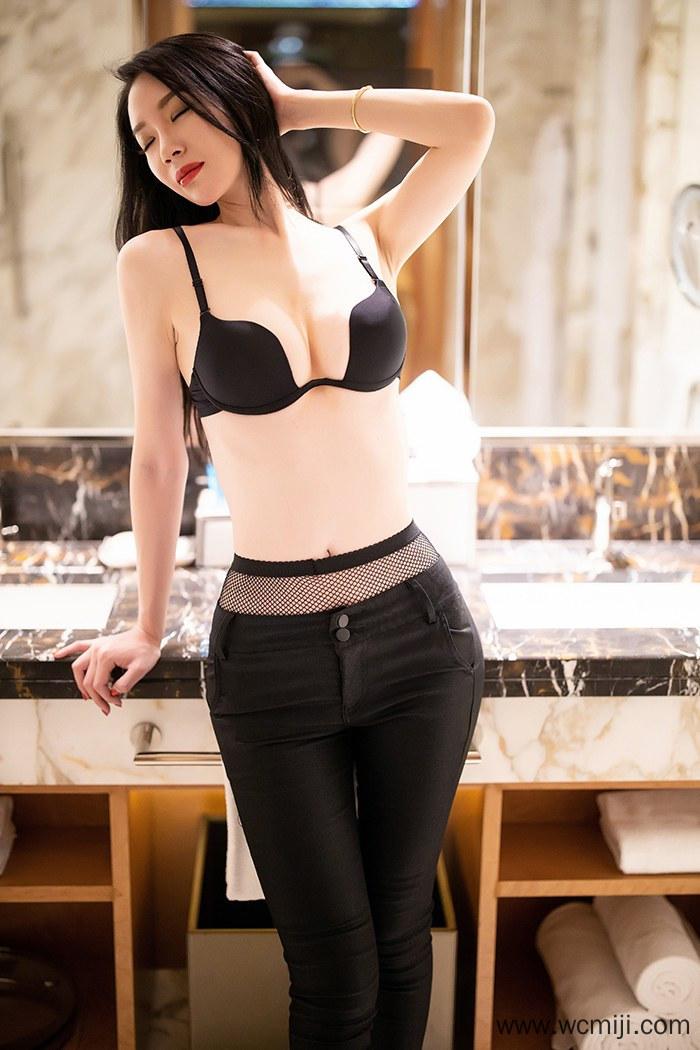 【模特】【梦心月】高挑嫩白人妻梦心月身姿甜美纤纤玉体长腿黑丝沁心【75P】 X丝玉足