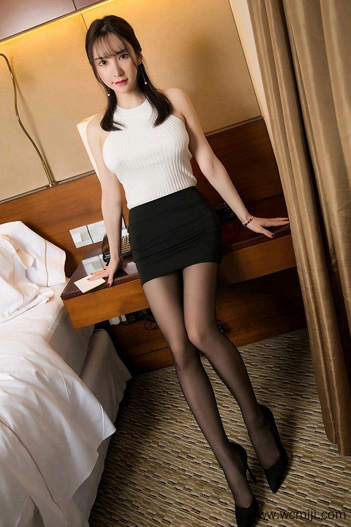【性感美女】【周于希】极品秘书周于希火辣身躯黑丝长腿诱惑【44P】 X丝玉足