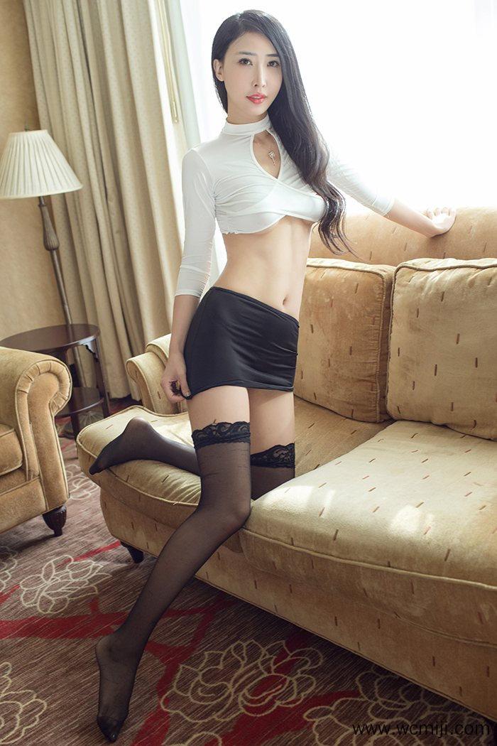 【网红】【俞公主】小蛮腰美女俞公主长腿高跟白皙性感人体艺术写真【43P】 X丝玉足