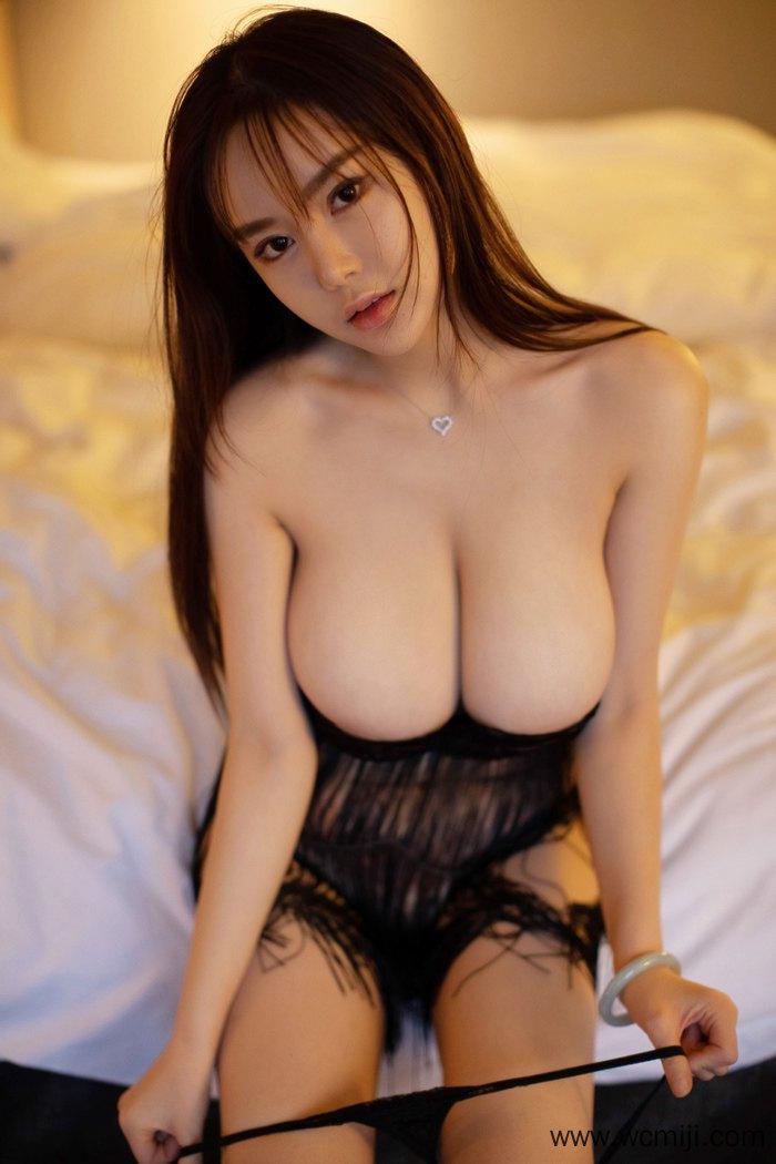 【模特】【易阳】宅男女神易阳丰乳肥臀迷人眼神让大众饱受眼福【40P】 性感内衣