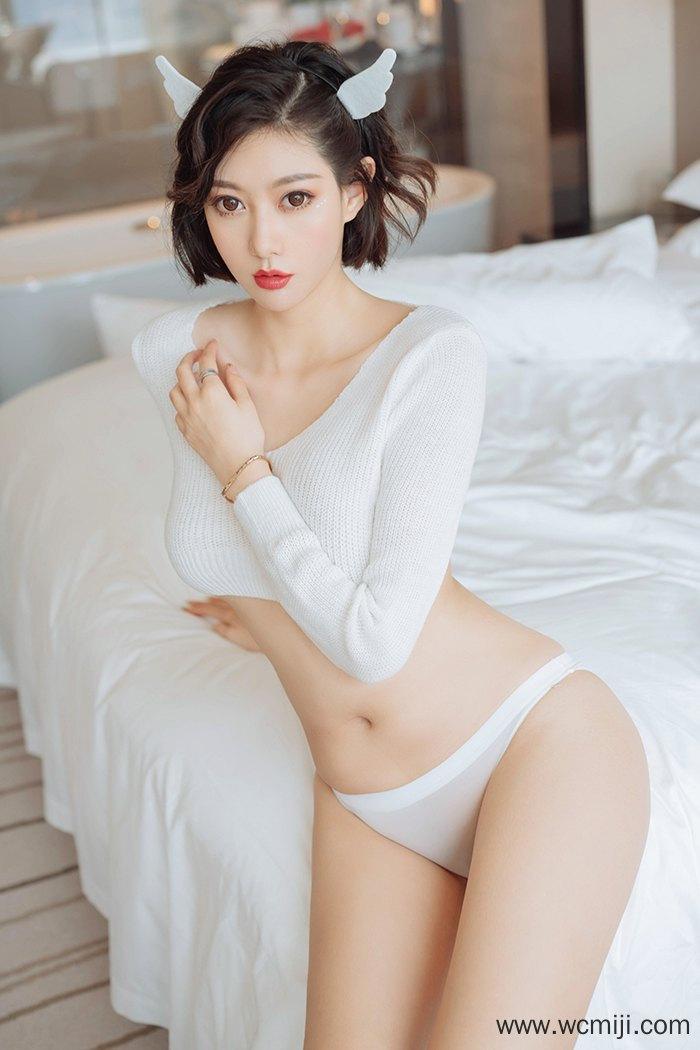 【性感美女】雪白风搔美女摆弄火辣姿势诱人圆臀上要你使力【48P】 性感内衣