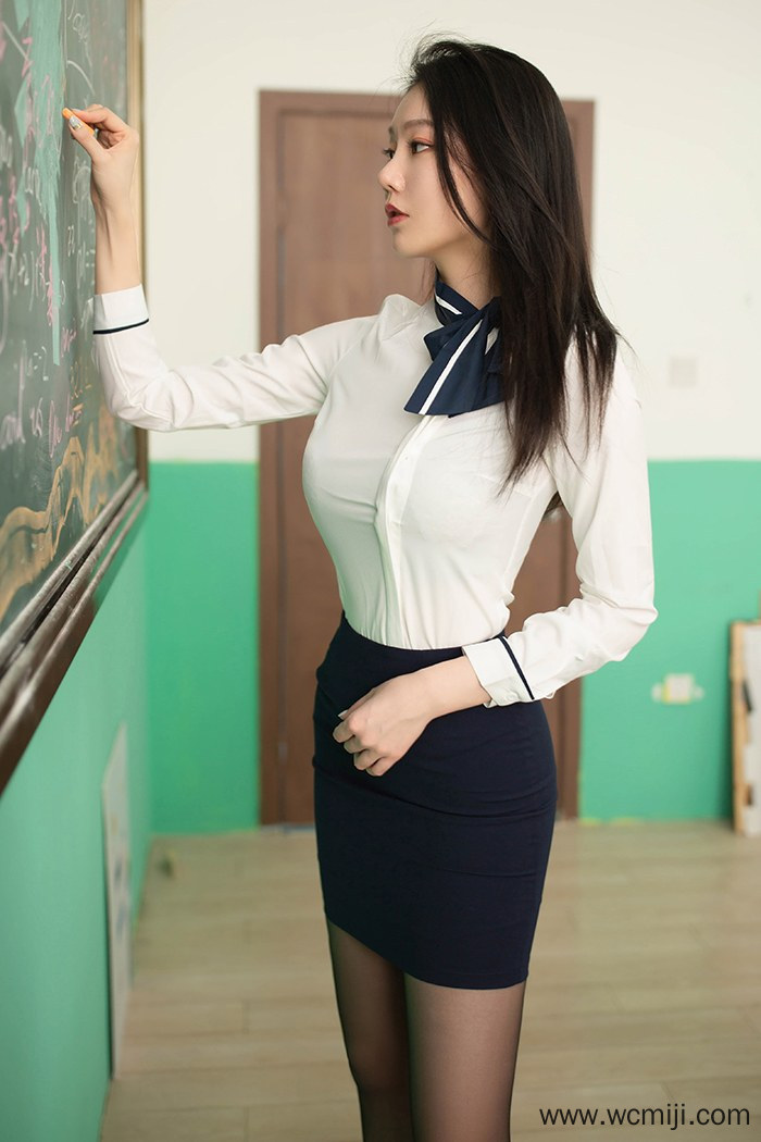 【性感美女】长发魅力女教师纤细苗条身躯黑丝蜜臀制服诱惑【73P】 制服