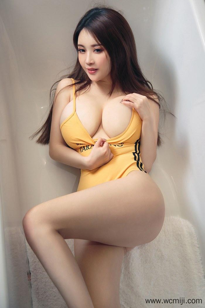 【网红】【Coco】妖艳美女毛Coco巨胸翘臀丝袜美腿顶级性感身材人体艺术图片【61P】 写真集
