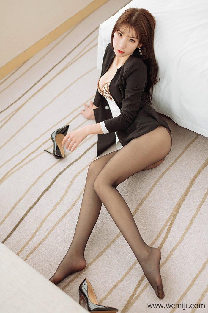 【模特】【周于希】长发娇嫩御姐周于希黑丝高跟制服诱惑【92P】 制服