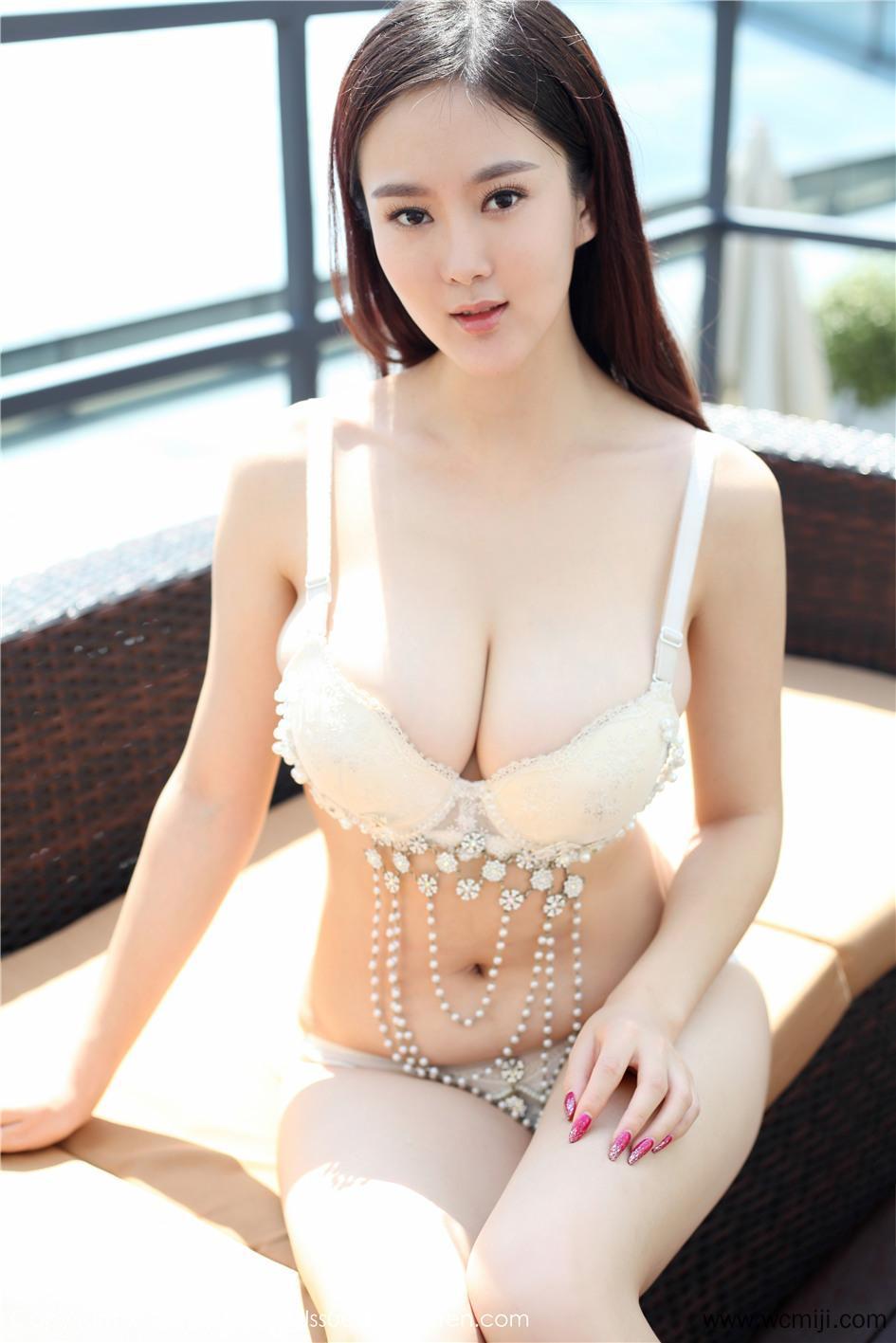 【模特】【易阳ELLY】气质美女易阳ELLY内衣外景写真摄影VOL.025【32P】 性感内衣