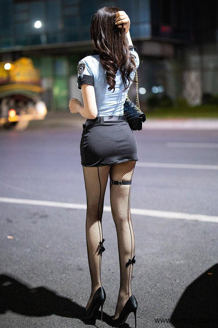 【网红】【芝芝】热辣粉嫩警花芝芝黑丝网袜高跟鞋撅臀求征服【76P】 制服