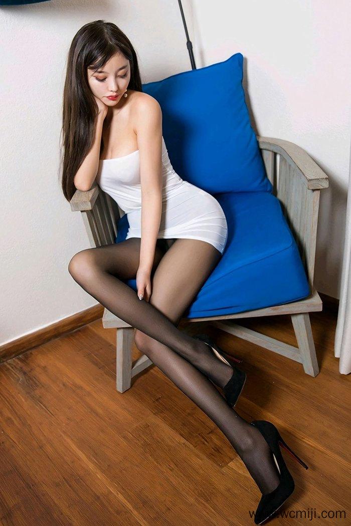 【模特】【杨晨晨】美丽如仙小姐姐杨晨晨爆乳醉心迷人大眼睛黑丝迷情【50P】 X丝玉足