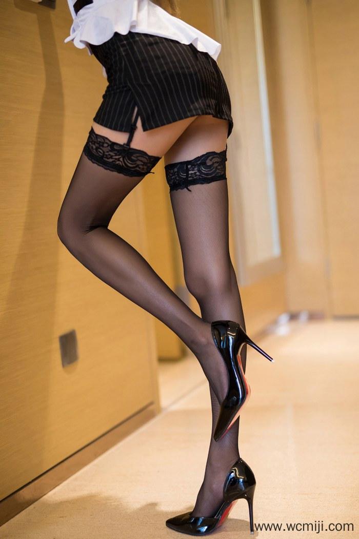 【网红】性感身材美女OL黑丝美腿姿势销魂人体艺术图片【46P】 制服
